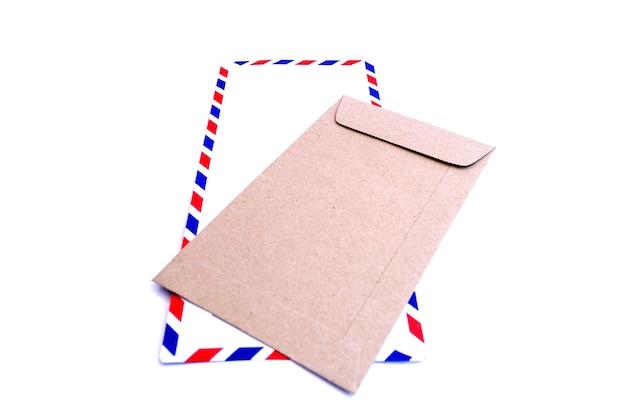 Umschlag lokalisiert auf weißem hintergrund.