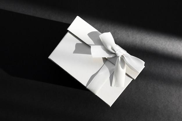 Umschlag mit hochzeitseinladung
