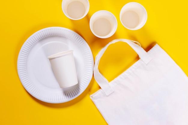Umweltfreundliche papierschalen und umweltfreundliche leinentasche