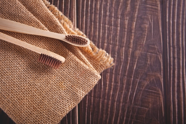 Umweltfreundliche zahnbürsten aus bambus. kein verlust.