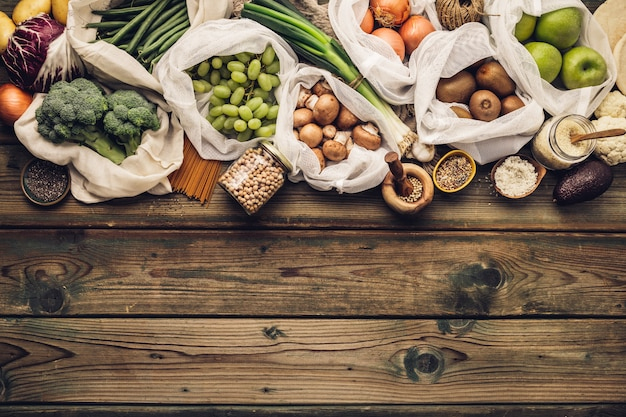 Umweltfreundliches lebensmitteleinkaufs- oder kochkonzept plastikfreier lebensstil