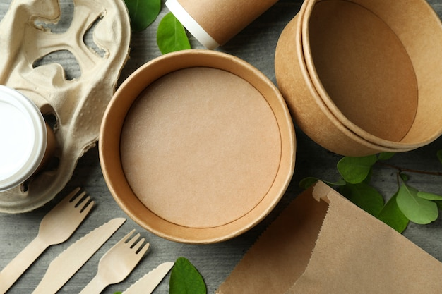Umweltfreundliches zero-waste-konzept auf grau