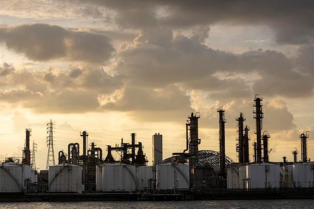 Umweltverschmutzung und industrie außen