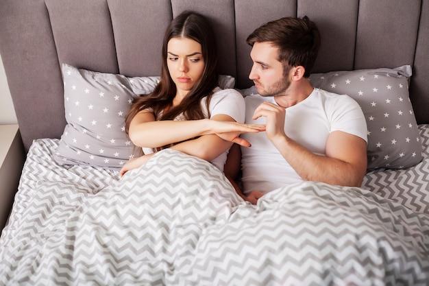 Unglückliches verheiratetes paar und sexuelle probleme
