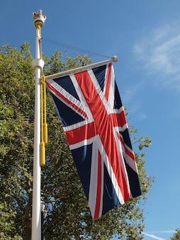 Union jack mit britischer flagge