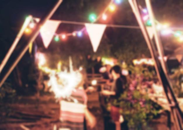 Unscharfe feierparty des neuen jahres der szene