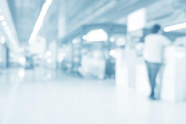 Unscharfer innenraum der abgabe im krankenhaus - abstrakter medizinischer hintergrund.