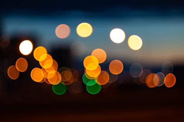 Unscharfes bild - helle lichter der stadt