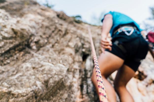 Unteransicht des bergsteigers