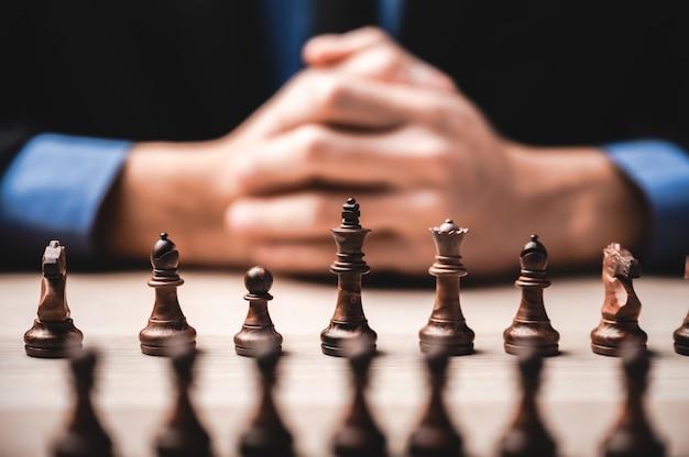 Unternehmensführung, teamfähigkeit und vertrauenskonzept mit schach
