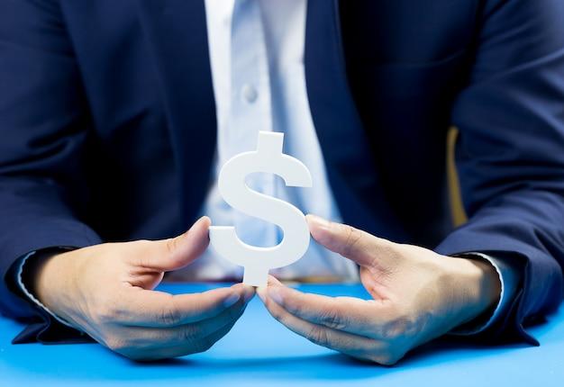 Unternehmer investieren für die zukunft und den gewinn.