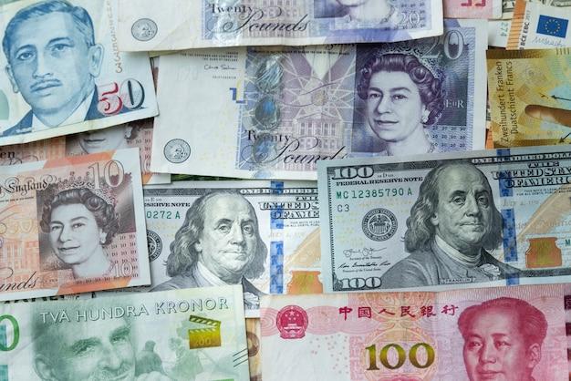 Unterschiedliche banknote der draufsicht für geschäftskonzept und austausch