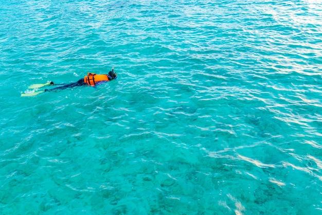 Unterwasser-luxus-paradies frauen ziele