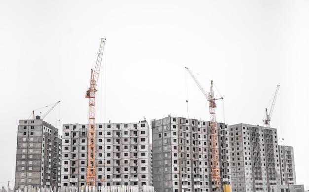 Unvollendete wohnhäuser gebäudeansicht.