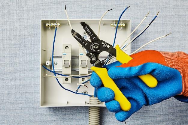 Upgrades der haushaltsverbrauchereinheit oder des automatischen sicherungskastens.