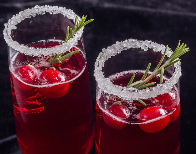 Urlaub roter cranberry cocktail