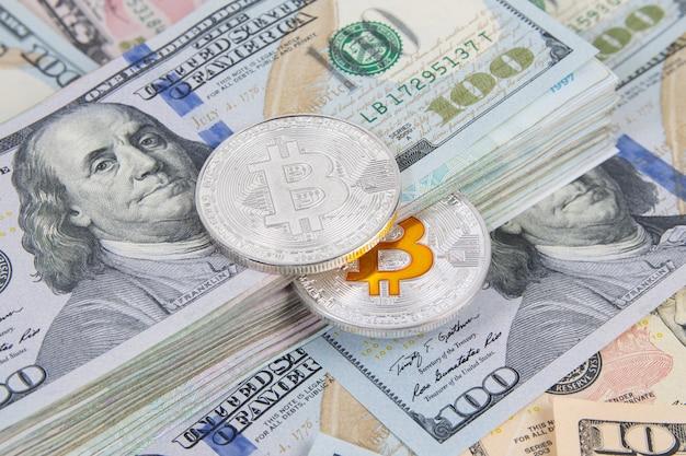 Us-dollar-banknote und bitcoin-münze mit digitalem geld