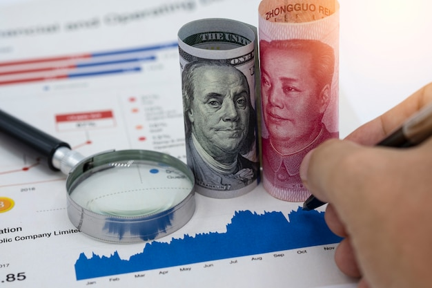 Us-dollar und yuan china, das sind die zwei größten länder für wirtschaftliches wachstum.