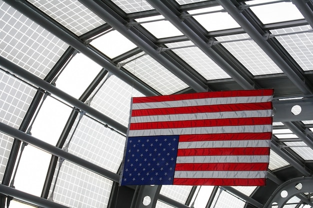 Usa-flagge am o'hare-flughafenterminal, chicago