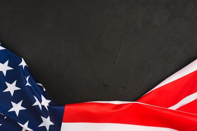 Usa flagge auf schwarzem hintergrund