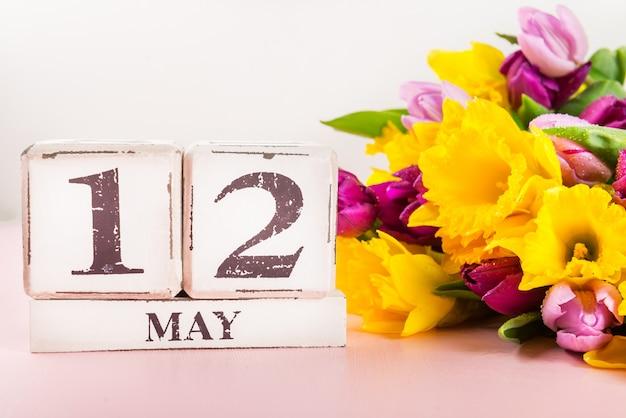 Usa muttertag, 12. mai 2019, tulpen und narzissenblumen