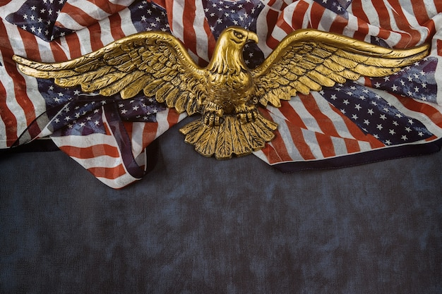 Usa nationalfeiertage amerikanische flagge am american bald eagle memorial day