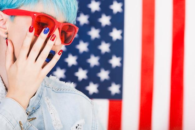 Usa-unabhängigkeitstagkonzept mit punkfrau