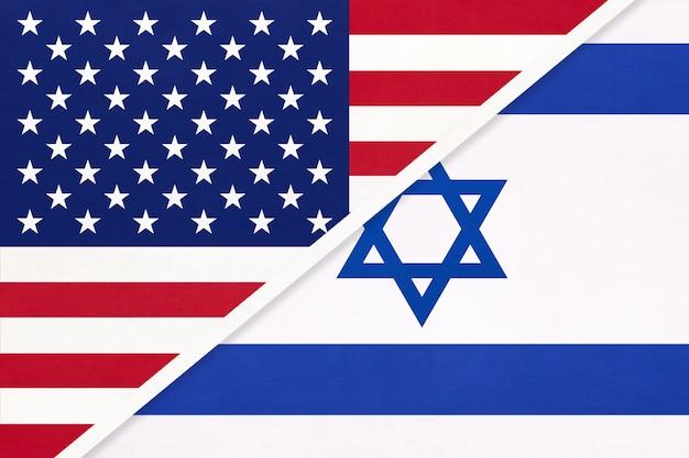 Usa vs israel nationalflagge aus textil. beziehung, partnerschaft zwischen zwei ländern.