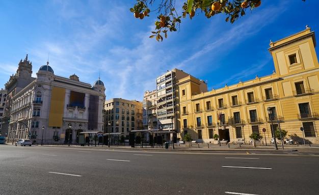 Valencia tetuan quadratische gebäudefassaden