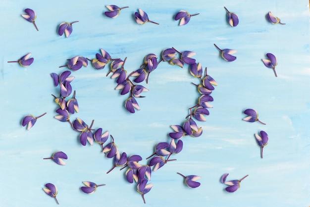 Valentinstag blüht blumenblattherz simbol