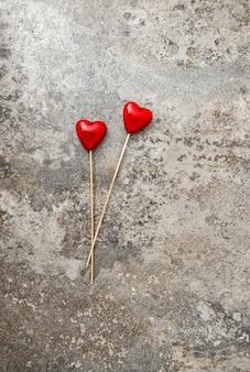Valentinstag dekoration rote herzen liebe