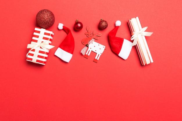 Valentinstag fröhlich in der weihnachtsdekoration.