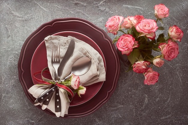 Valentinstag-, geburtstags- oder jahrestagstabelleneinrichtung