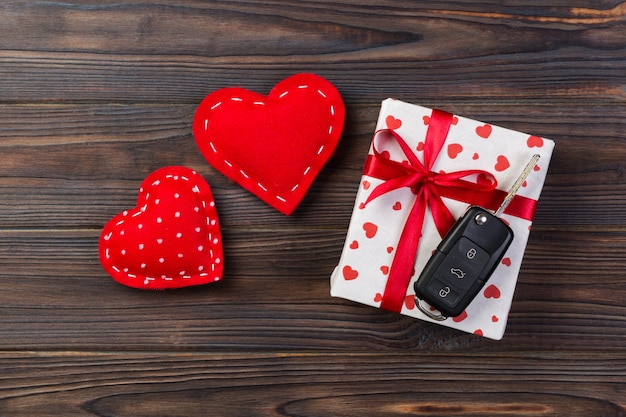 Valentinstag geschenk in weihnachtsdekoration