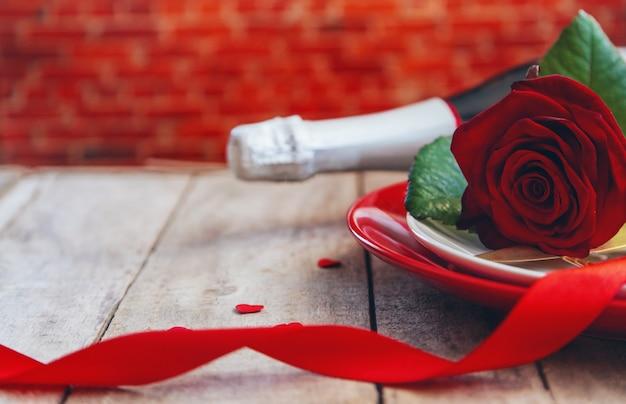Valentinstag romantisches abendessen glückwunsch.