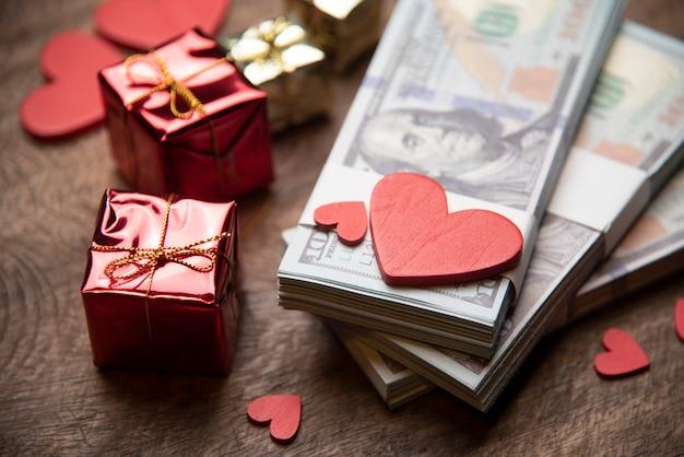 Valentinstag- und geldgeschäftskonzept
