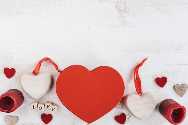 Valentinstaggeschenke mit kopienraum