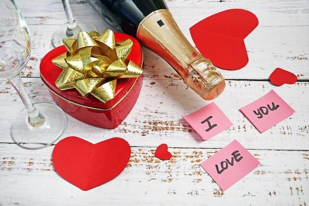 Valentinstagsparty mit champagner und süßigkeiten