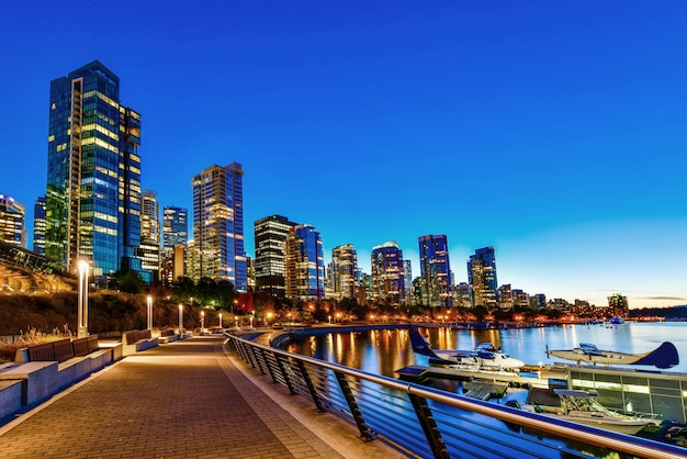 Vancouver hafen bei sonnenuntergang, britisch-columbia, kanada