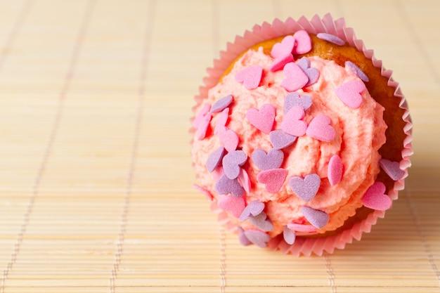 Vanille cupcakes mit schlagsahne