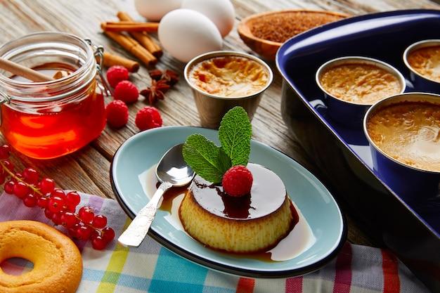 Vanillepuddingcreme-karamell-flanennachtisch-wasserbad