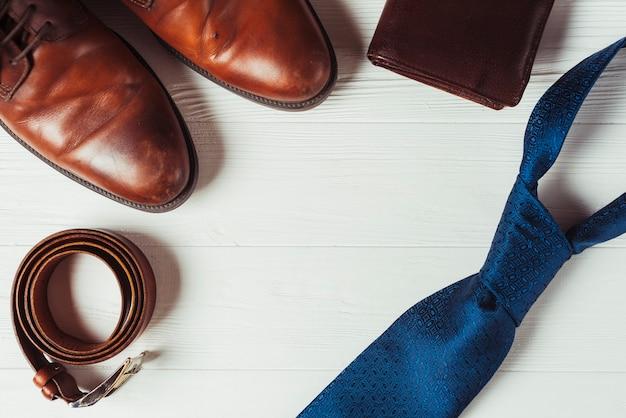 Vatertag-konzept mit männerkleidung