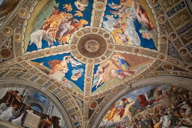 Vatikanstadt, vatikan - 22. juni 2018: kunstfresko im vatikanischen museum