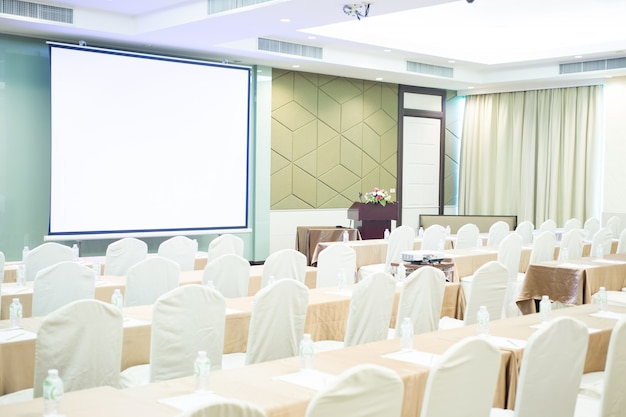 Vdo-kamera im konferenzraum für frofession