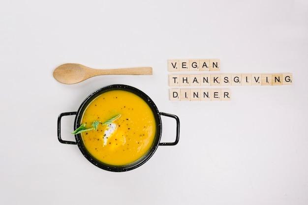 Veganes thanksgiving-dinner-konzept