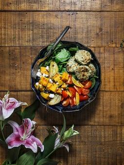 Veganes thanksgiving gebackenes butternusskürbisrezept
