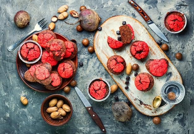 Vegetarische rote-bete-muffins.