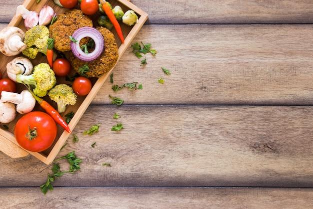 Vegetarisches essen mit textfreiraum