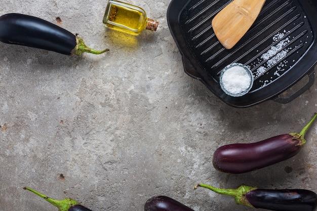 Vegetarisches rezept für gefüllte auberginen vom grill