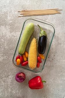 Vegetarisches rezept zum kochen von gegrilltem gemüse